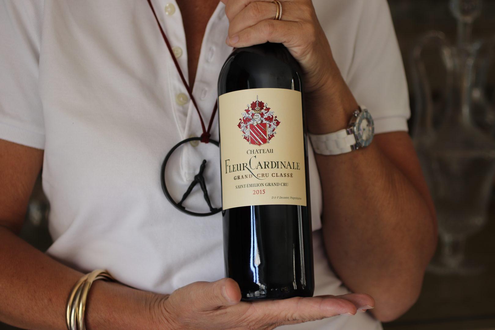 Une bouteille de Fleur Cardinale 2015 - © C. Decoster, Château Fleur Cardinale